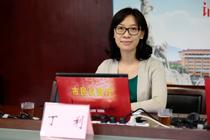 市人大代表,广州市城乡建设信息中心主任兼党支部书记  丁  利